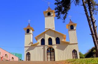 Igreja foi recuperada por dentro e por fora e mantém aspectos históricos do início dos anos 60