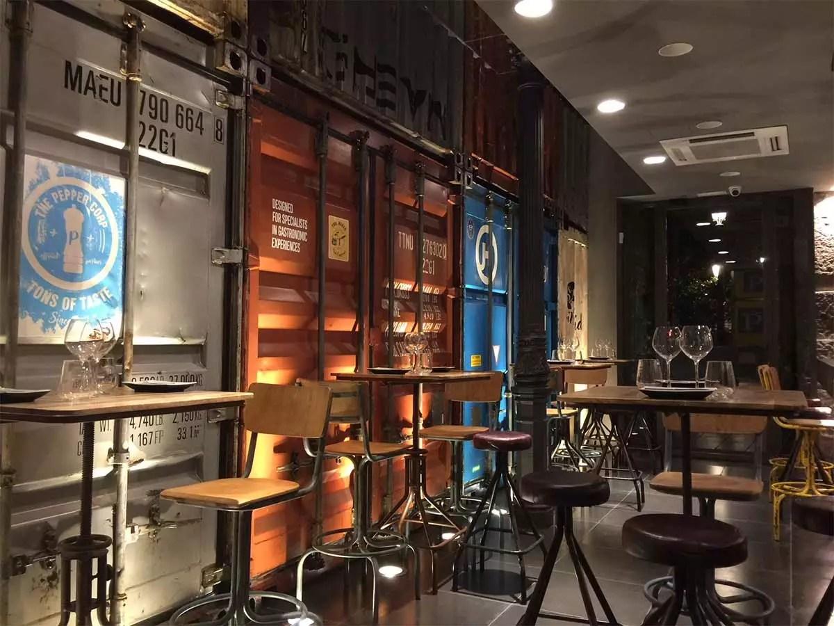 Decoracin para bares con carcter Muebles Francisco Segarra