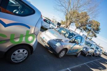 Déplacement des sénateurs en BlueCub, la voiture électrique en libre service. ©Sénat, Cécilia Lerouge