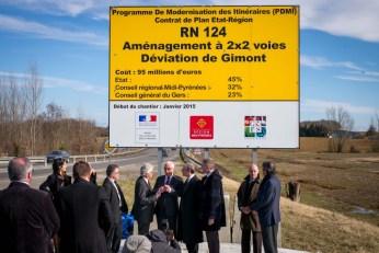 Lundi, le panneau de chantier de la déviation de Gimont a été dévoilé à l'entrée de la RN124, à Aubiet. ©franckmontauge.fr