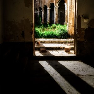 Through the threshold photo by Franco Esteve