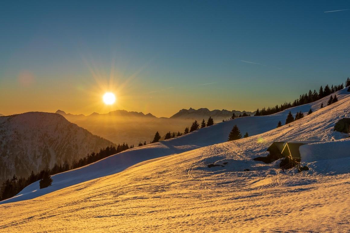 Coucher de soleil sur les chalets de Chailloux