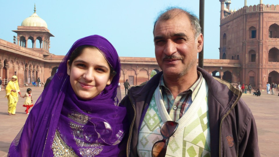 Kashmiri girl and her father at the mosque in Delhi