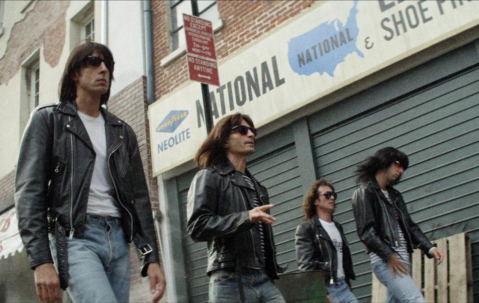 Ramones-Walking