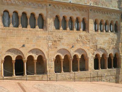 Kreuzgang und Fenster der Wartburg
