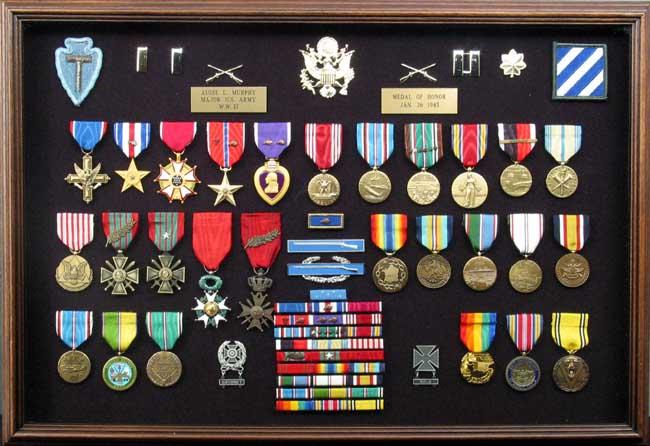 Bob Gates Medal Honor