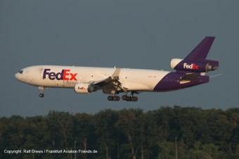 and landings on RWY07L ...