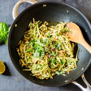 Zoodles with Garlic and Lemon {Gluten Free, Paleo, Vegan}
