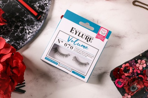 Get Red Carpet Ready With These Beauty Essentials | Featuring Eyelure Volume Lashes 070_