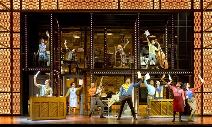 The cast of BEAUTIFUL: THE CAROLE KING MUSICAL UK Tour