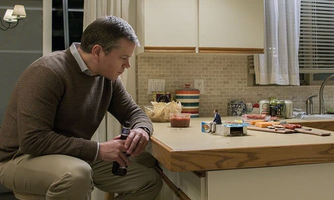 Matt Damon and Jason Sudeikis in Downsizing (2017)