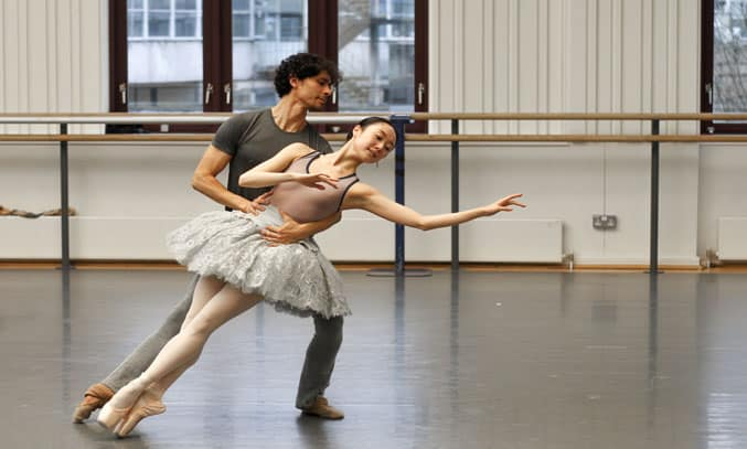 Miki Mizutani and César Morales rehearse THE SLEEPING BEAUTY. Photo: Gabriel Anderson
