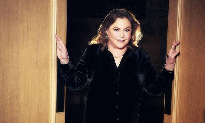 Kathleen Turner FINDING MY VOICE