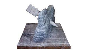 sculptuur van graniet en franse hardsteen
