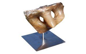 sculptuur van bruin albast