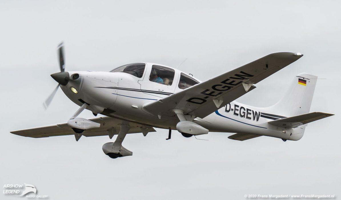 D-EGEW Cirrus SR22 Airshow Legend
