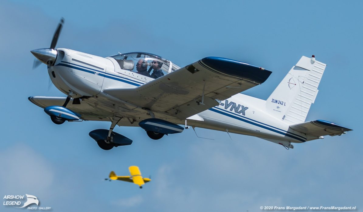 PH-VNX Zlin Z.242L Airshow Legend