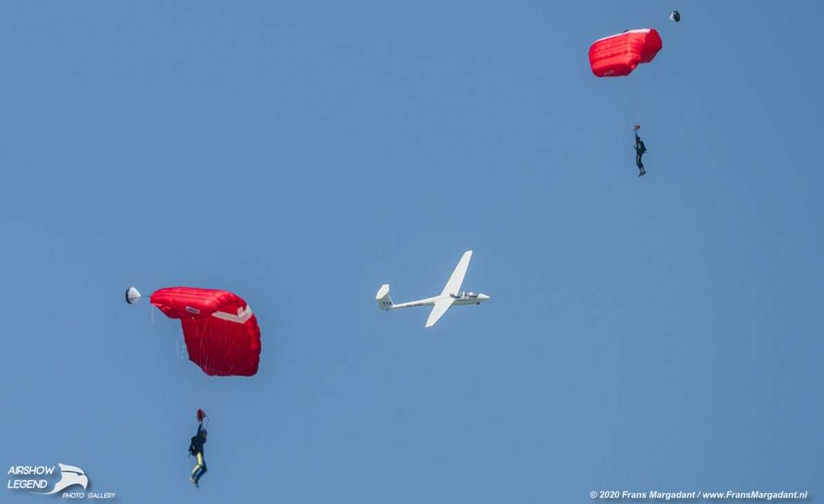 PH-PARA vs Glider Airshow Legend