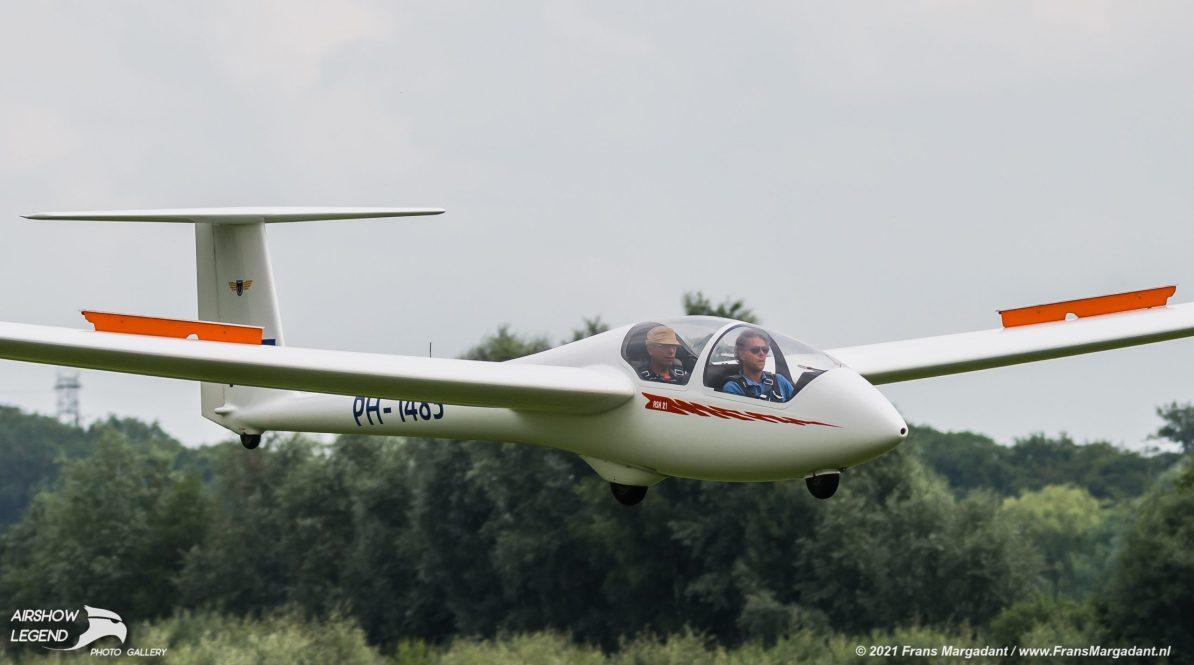 PH-1483 Alexander Schleicher ASK-21 Airshow Legend