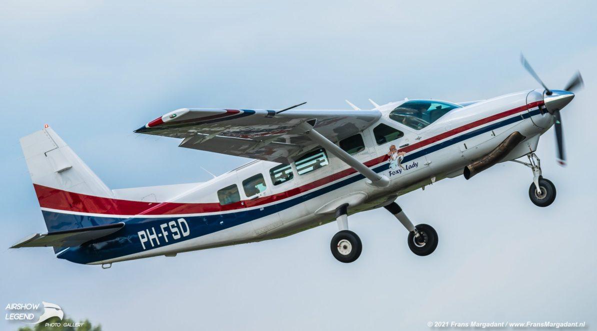 PH-FSD Cessna 208 Caravan Airshow Legend
