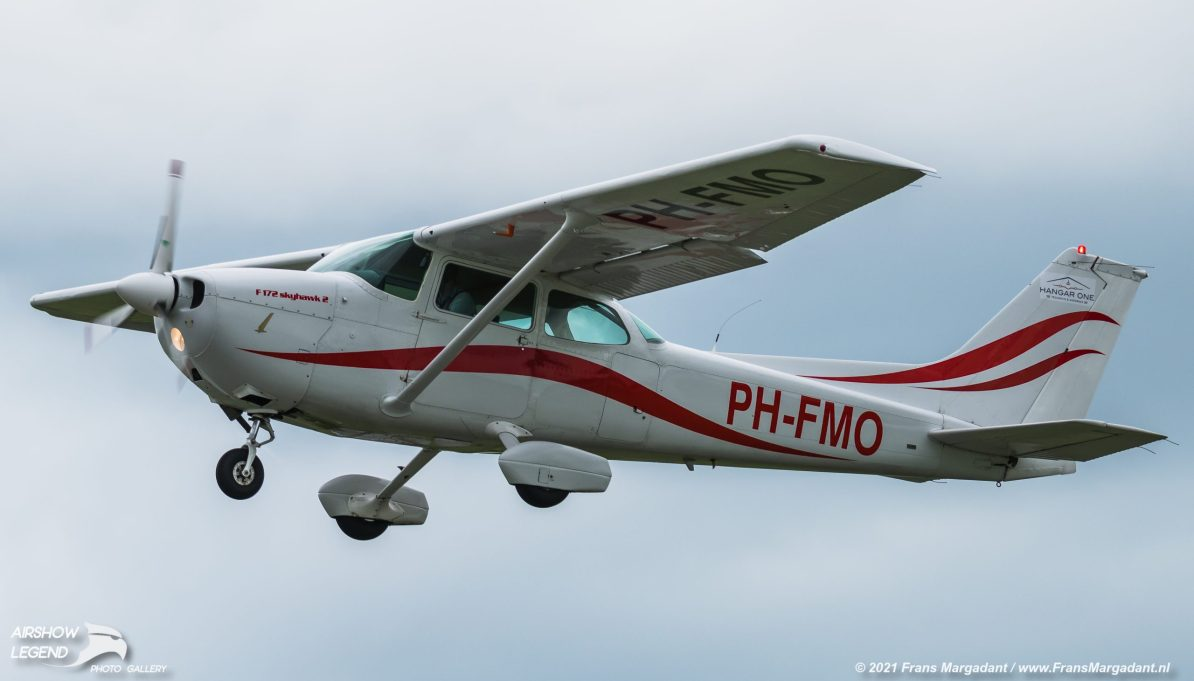 PH-FMO Cessna Reims F172 Skyhawk/Reims Rocket/Hawk XP Airshow Legend