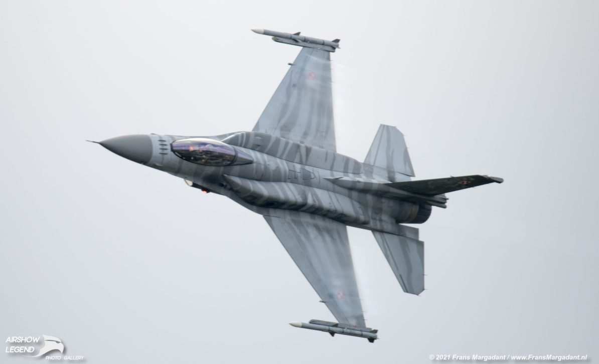 Polish Air Force F-16 Tiger Demo team Airshow Legend