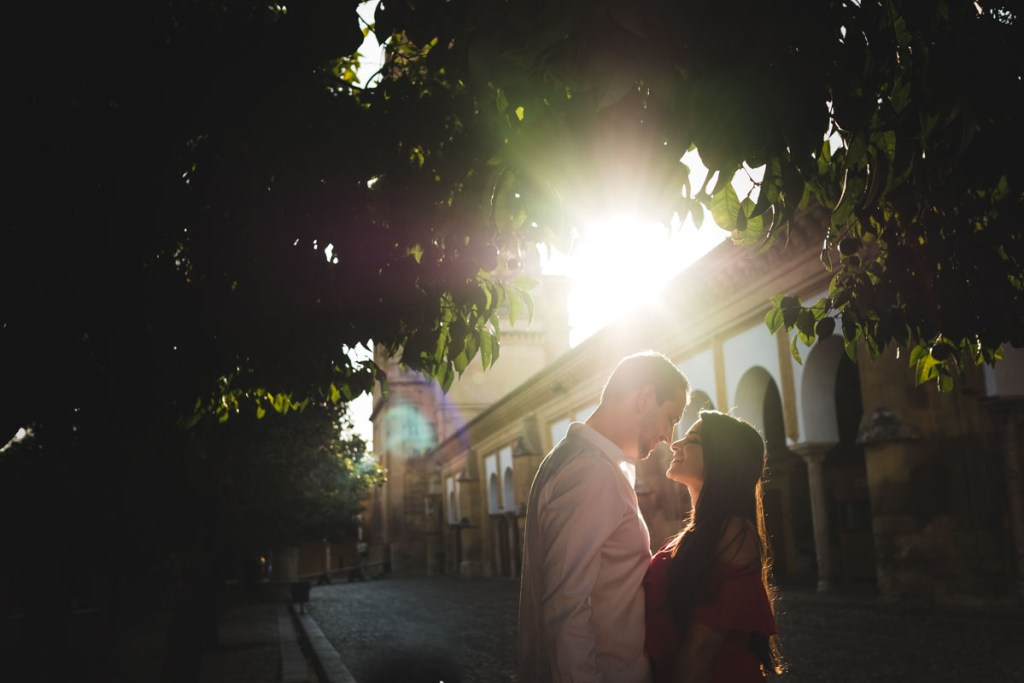Sesión de compromiso en Córdoba, la luz de Córdoba