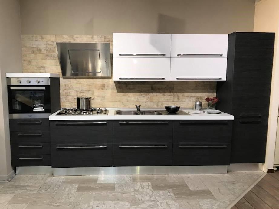 cucina moderna lineare 390 cm  Franzese Arredamenti