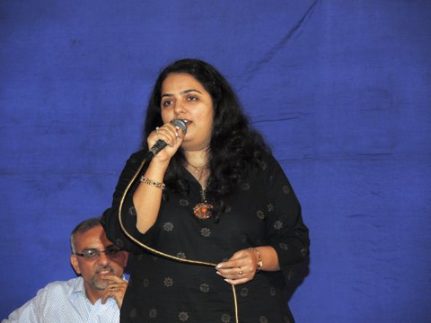 Ms. Ava Bodhanwalla came all the way from Surat to sing for us