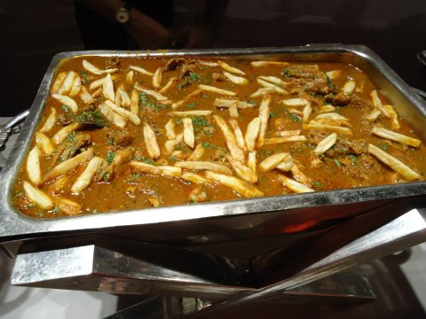 Masala chicken with chips - an old Parsi classic