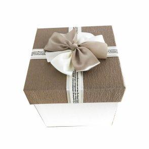 Scatole quadre cartone beige con fiocco