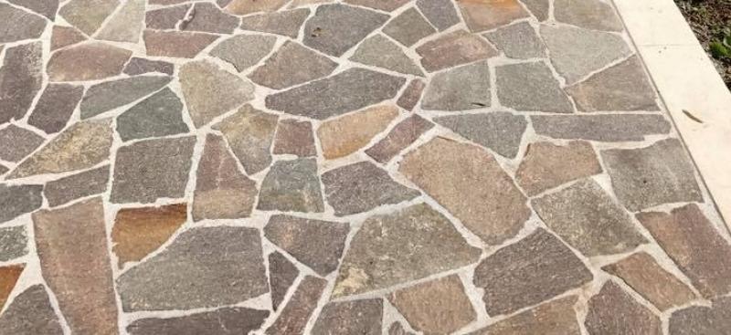 Porfido per pavimenti esterni caratteristiche e vantaggi