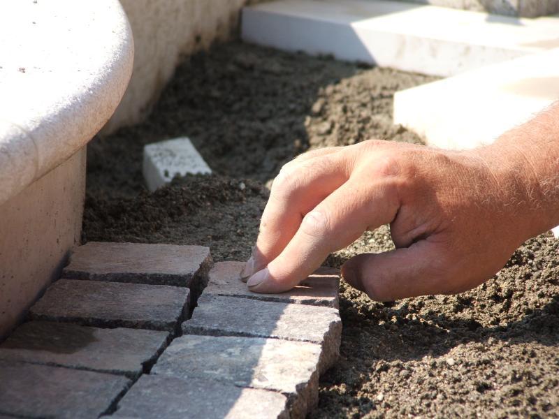 Posa a colla o a sabbia e cemento  Fratelli Pellizzari