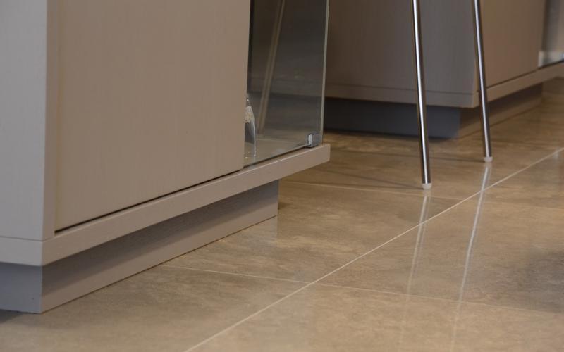 Grs porcellanato levigato un pavimento lucido a specchio  Fratelli Pellizzari