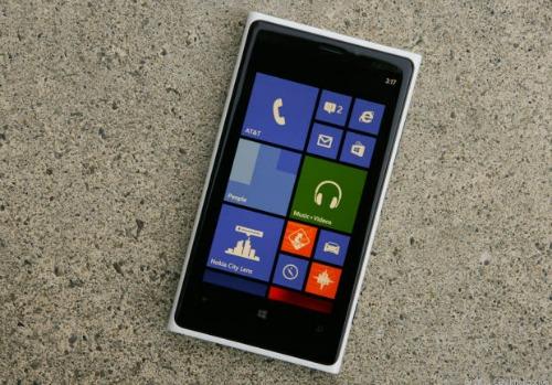 Windows Phone 7.8 e 8.0 su Nokia Lumia 920, 900, 820, 710, 620 e 610 ancora in attesa