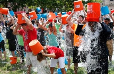 mode social ice bucket challenge