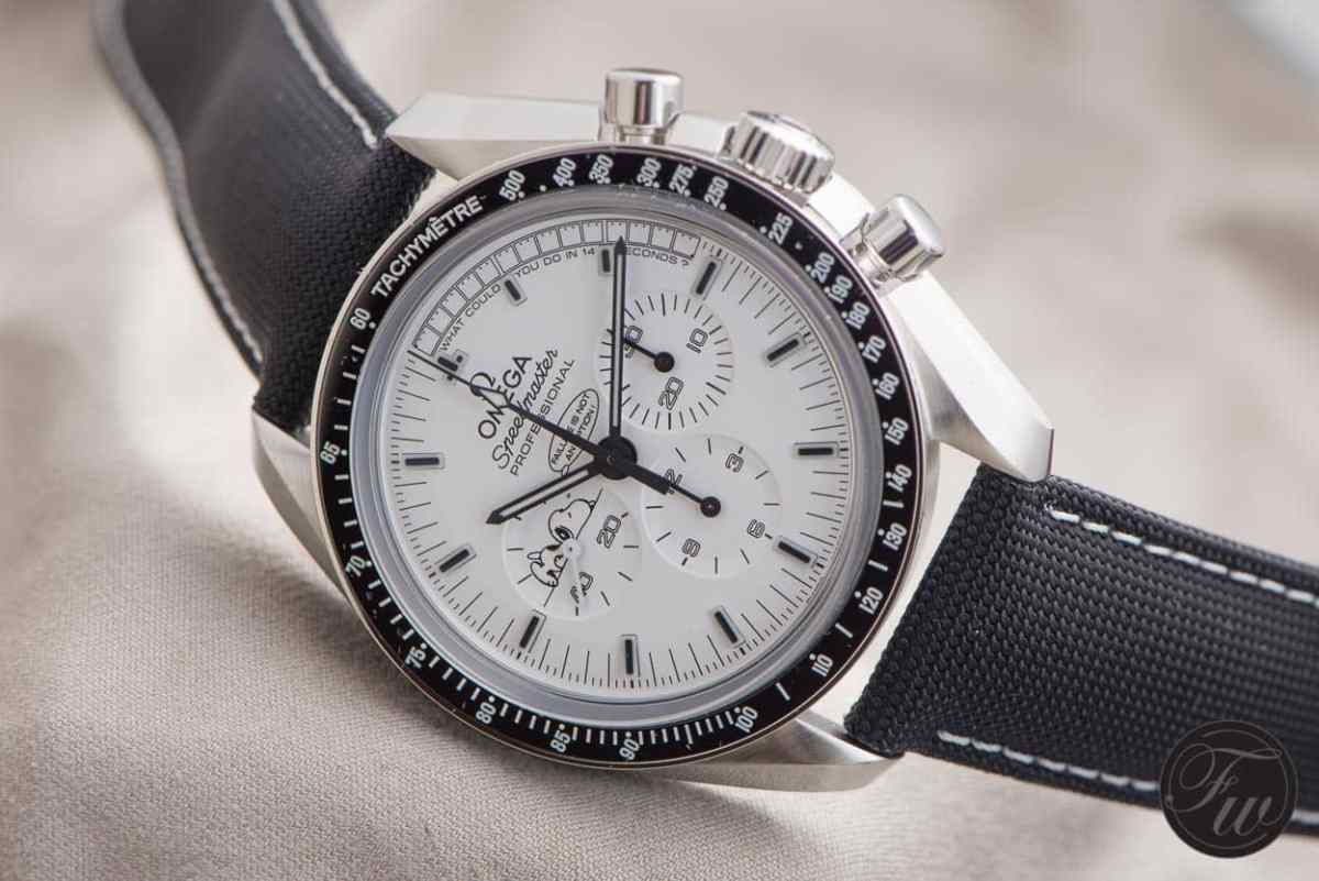 hands on omega speedmaster professional silver snoopy award. Black Bedroom Furniture Sets. Home Design Ideas