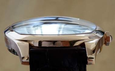 GEO Domed Crystal Drive de Cartier