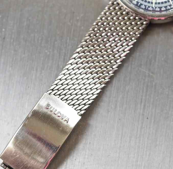 A look at the mesh bracelet and signed buckle of the Bulova Stars and Stripes