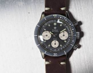 """Note the thick """"ghosty"""" bezel on the Zodiac Sea-Chron - it's extremely simple but is probably the keynote detail of this watch"""