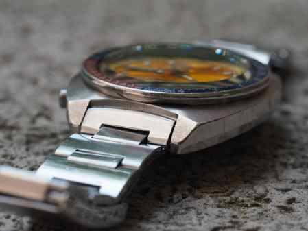 A look at the angled lugs of the Seiko 6139 Pogue