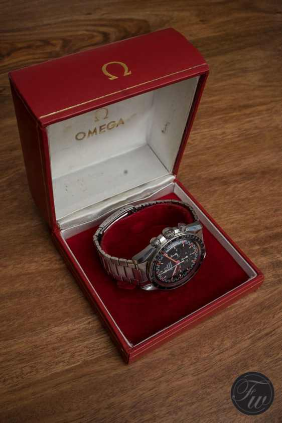 omega-speedmaster-105-012-66-red-racing-08448