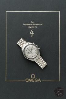 omega-speedmaster-white-gold-08382