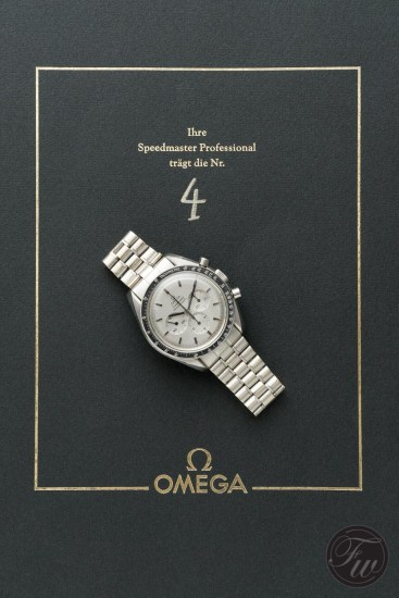 omega-speedmaster-white-gold-08382