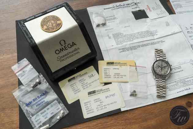 omega-speedmaster-white-gold-08402