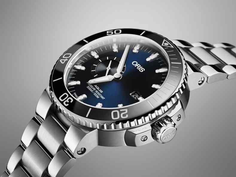 01 743 7733 4135-07 8 24 05PEB - Oris Aquis Small Second, Date_HighRes_6809