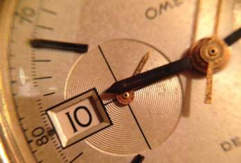 The feature that makes the Omega DeVille chronograph so unique is this aperture.