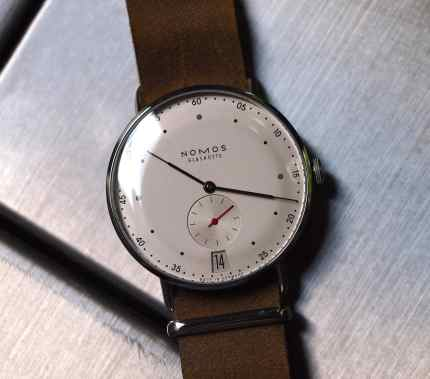 Nomos Metro head-on