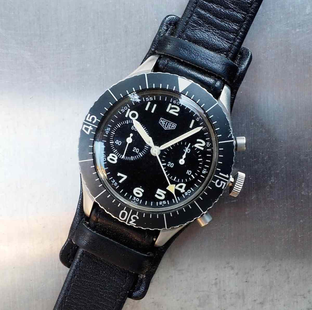 The Heuer Bund sports a large, bi-directonal bezel