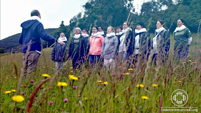 Network-of-Light of Colombia holds Meeting of Choir and records song